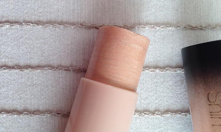 MUA-Luxe-Highlight-shimmer-stick-4