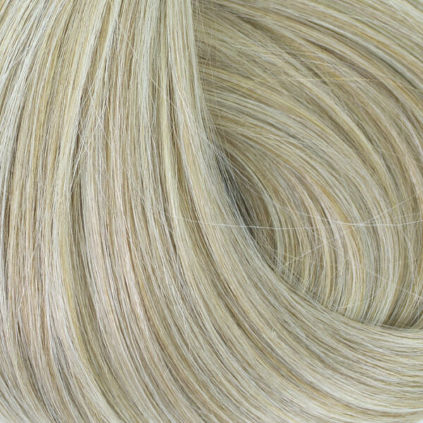 mat-blonde-clip-in-extensions-wavy-1