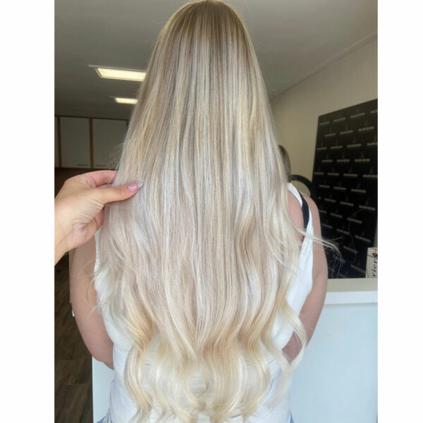 ice-blonde-hairextensions
